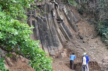 Mở rộng gành Đá Đĩa lần theo các vỉa đá mới phát lộ