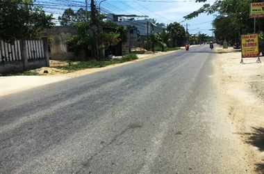 Quảng Nam: Truy tìm ô tô tông hai mẹ con tử vong rồi bỏ chạy