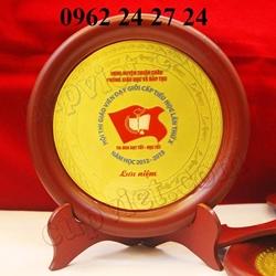 cơ sở cung cấp đĩa quà tặng lưu niệm, sản xuất đĩa bạc ăn mòn