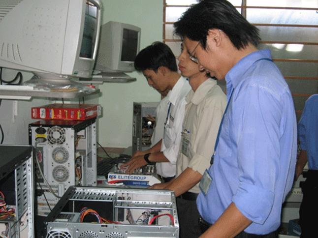 sửa chữa máy tính phú yên